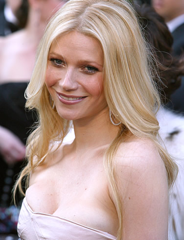 gwyneth-paltrow-long-wavy-blonde-hair