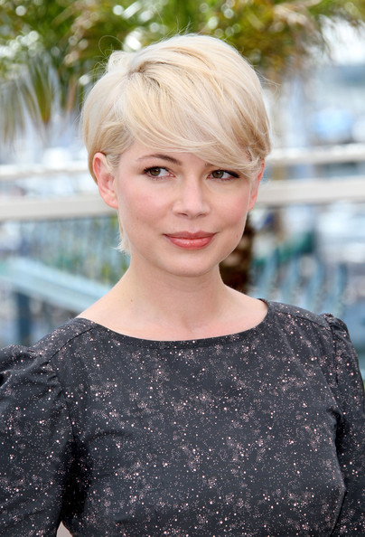 michelle williams short hair 2010. michelle-williams-Blue+