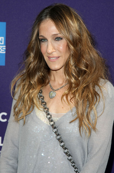 sarah-jessica-parker-long-wavy-hair