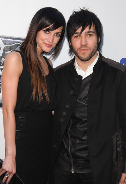 Ashlee-Simpson-Pete-Wentz-anniversary-screening-The-Empire-strikes-Back