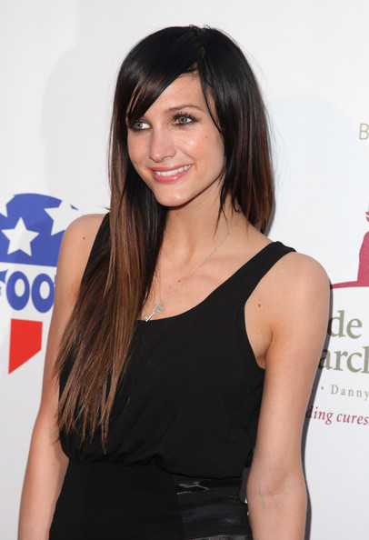 Ashlee-Simpson-two-tone-hair-color