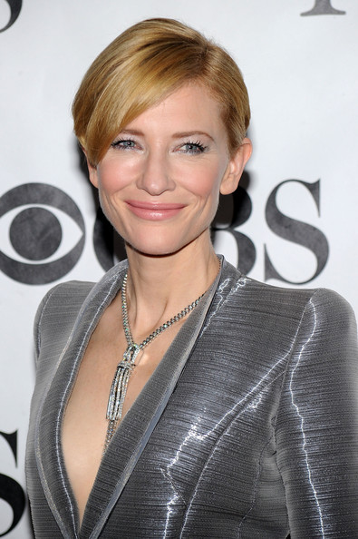 Cate-Blanchett-new-short-haircut-64th-Annual-Tony-Awards