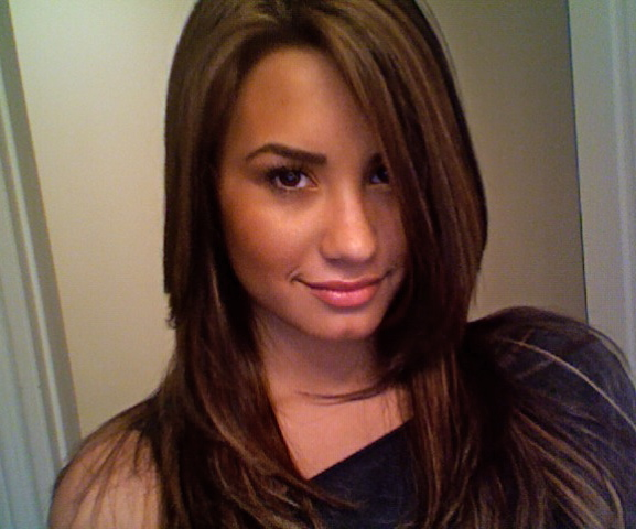 Demi-Lovato-new-highlights-1