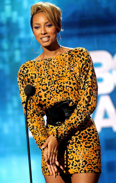 Keri-Hilson-short-blonde-hairstyle-BET-Awards-Show