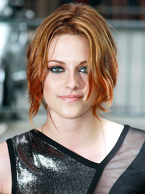 Kristen-Stewart-new-red-chin-length-hairstyle-1