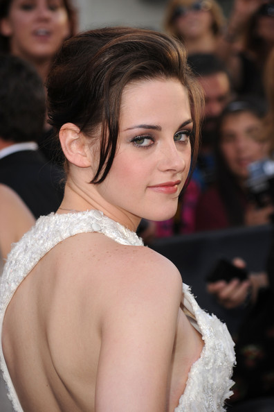 Kristen-Stewart-updo-premiere-The-Twilight-Saga-Eclipse