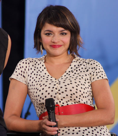 Norah-Jones-new-short-haircut