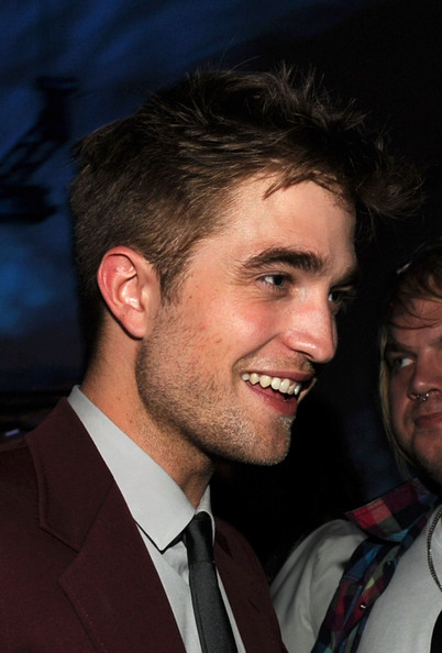 Robert-Pattinson-premiere-the-Twilight Saga-eclipse-1