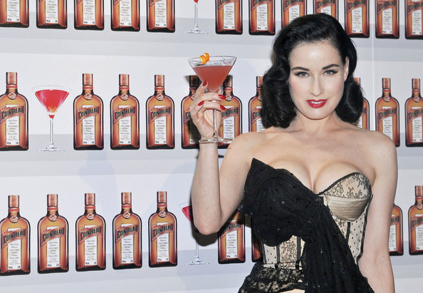 Dita-Von-Teese-Cointreaupolitan-cocktail