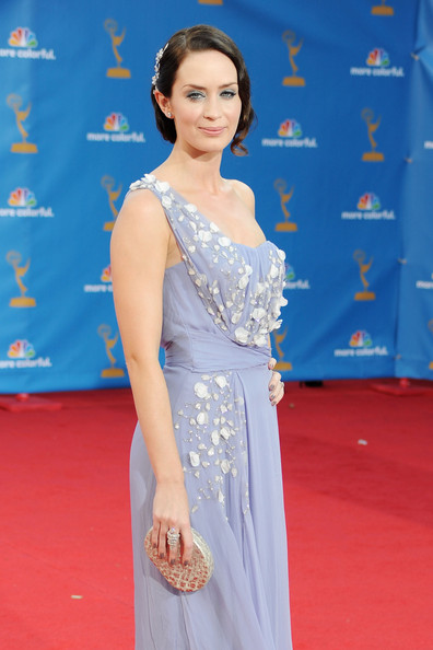 Emily-Blunt-emmy-awards-dior-dress-updo