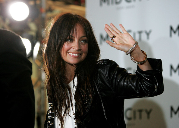 Nicole-Richie-Long-Brunette-hair