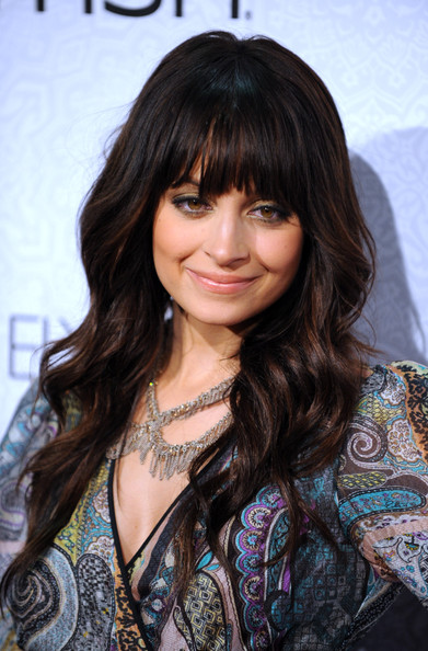 Nicole-Richie-long-brunette-hair-waves