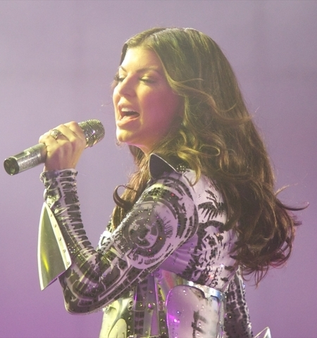 fergie-concert-hairstyle