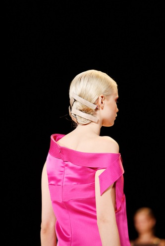 Carolina-herrera-Spring-2011-hair-styles-1
