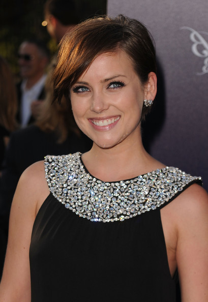 Jessica-Stroup-short-Hairstyle