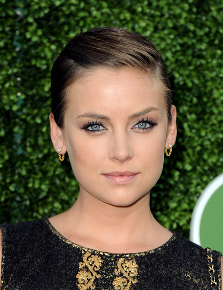 Jessica-Stroup-slicked-back-short-Hair
