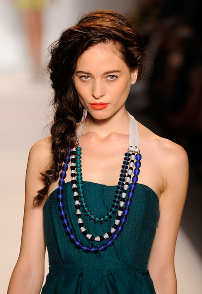 Lela-Rose-Runway-Spring-2011-side-braid