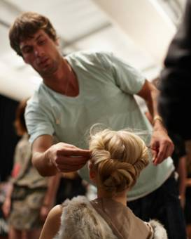 Luca-Luca-backstage-Spring-2011-yacht-knot