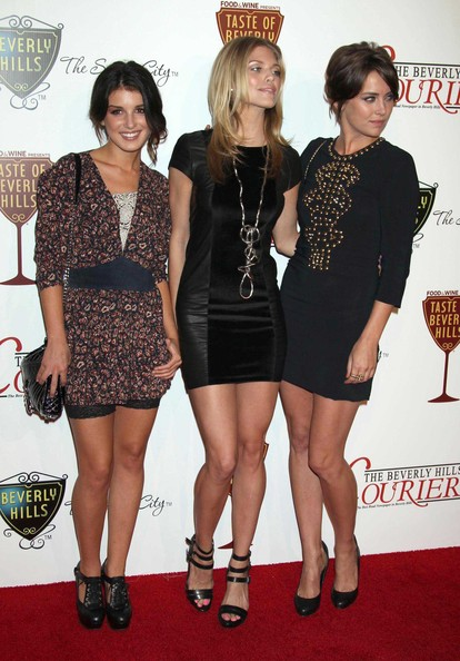 Shenae-Grimes-Jessica-stroup-AnnaLynne-McCord-1