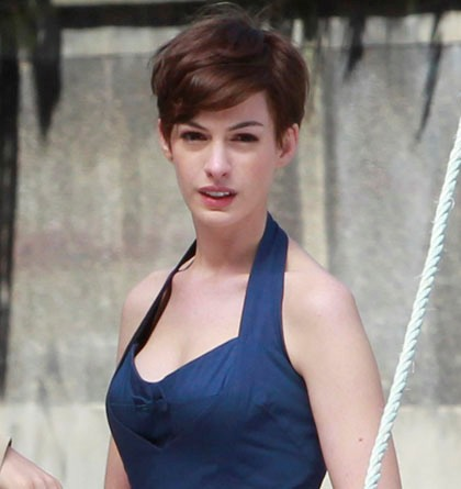 anne-hathaway-short-hair1