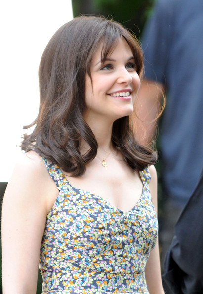 Ginnifer-Goodwin-long-hair-wig